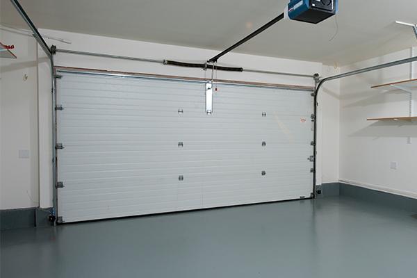 An image showing a garage door